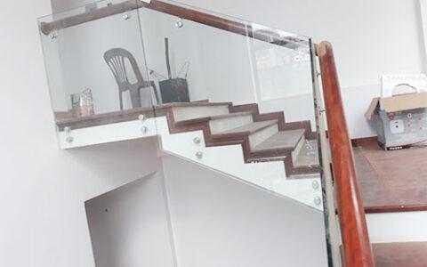 Cầu thang kính 05 tại hải phòng