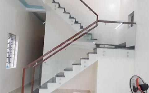 Cầu thang kính 08 tại hải phòng