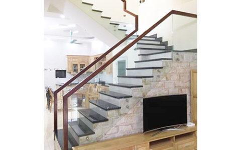 Cầu thang kính 10 tại hải phòng