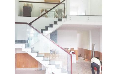 Cầu thang kính 11 tại hải phòng