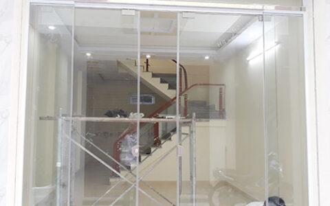 Cửa kính lùa trượt treo 02 tại hải phòng