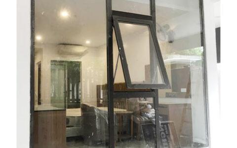 Cửa sổ mở hắt Xingfa 1 cánh kết hợp vách cố định tại hải phòng