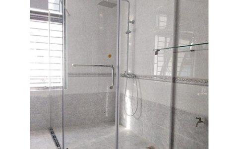 Phòng tắm kính Fendi 13 ttại hải phòng