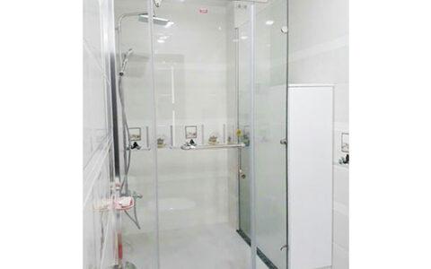 Vách tắm kính cửa mở quay 02 tại hải phòng