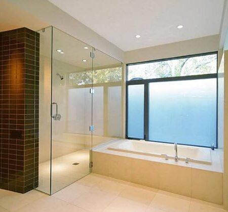 mẫu phòng tắm kính 180 độ