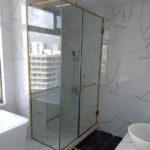 Kích thước phòng tắm kính